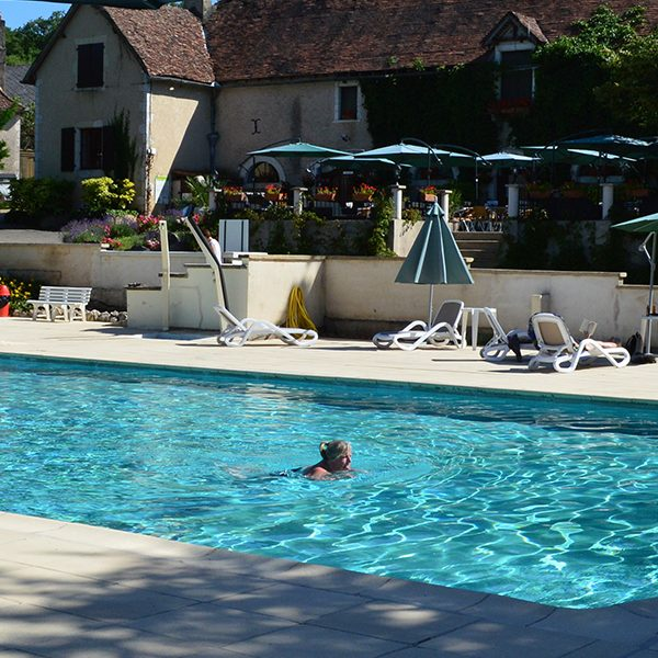 Camping-Lot-Dordogne_Country-Club-Adult_Chateau-La-Comte_Piscine