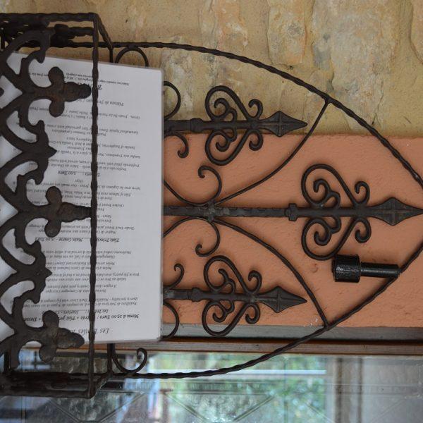 Restaurant waCamping Lot Dordogne & Country Club Chateau de Lacomterought iron menu holder (2)1