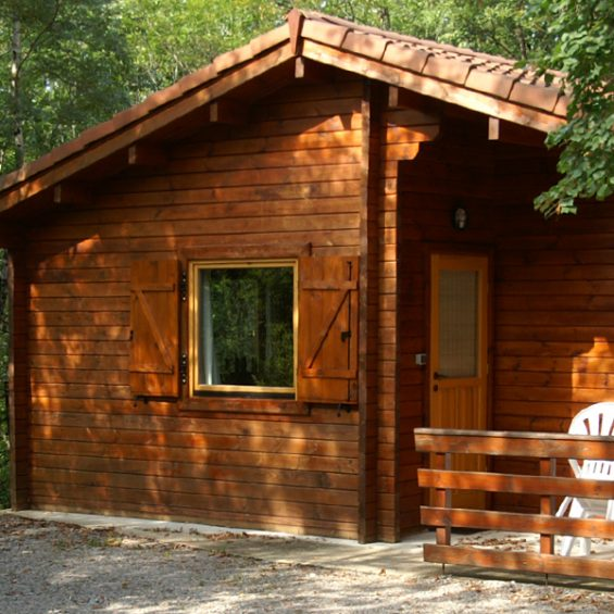 Camping-Lot-Dordogne_Country-Club-Adulte_Chateau-La-Comte_Chalet